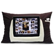 卡饰社 iPad/平板计算机 阅读抱枕【咖啡色】